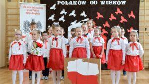 SZKOŁA W SMOLICACH: Obchody 100-lecia Niepodległości