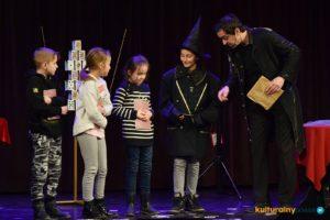 Edukacyjny teatr magii w OCK Oświęcim