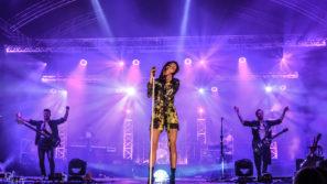 Koncert Natalii Szroeder podczas Święta Karpia