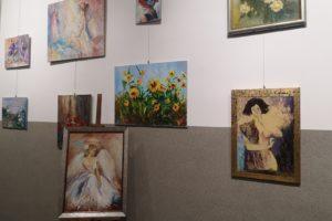 """""""Kobiety i kwiaty"""" – wystawa w Przeciszowie"""